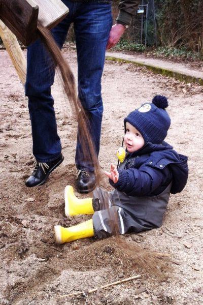 Parco giochi ad Amburgo - doccione di sabbia